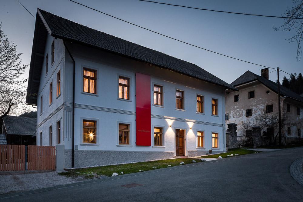 Sobe pr gavedarjo kranjska gora razi ite slovenijo for Design hotel 12