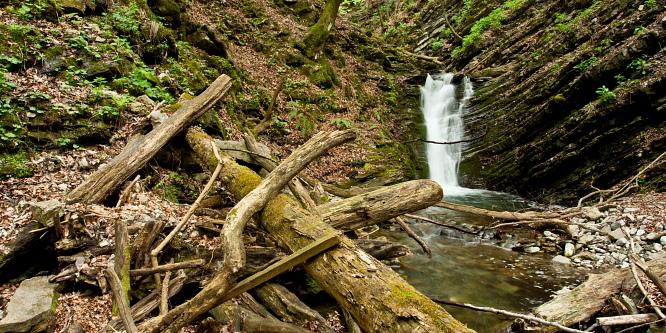 6 - Zakojca Waterfalls