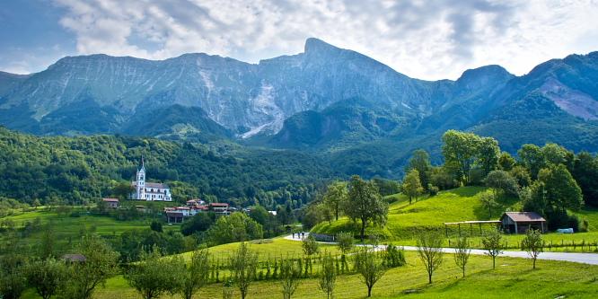 1 - Okoli Polovnika - planini Zaprikraj in Golobar