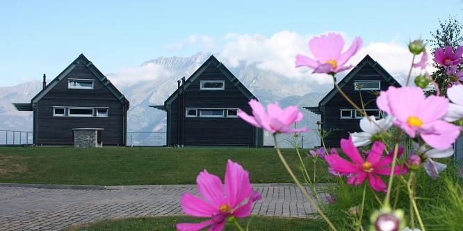 4 - Turistične hiše Nebesa