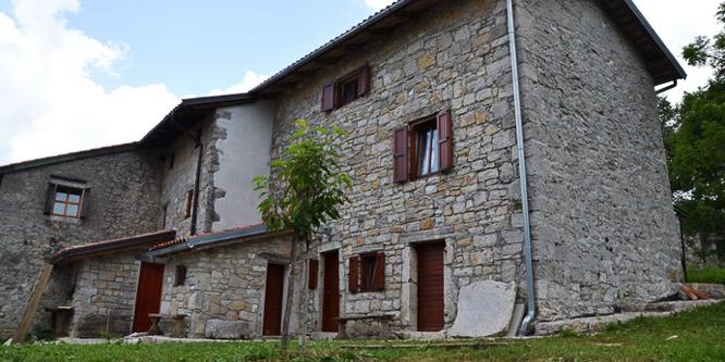 3 - Robidišče Stone Houses