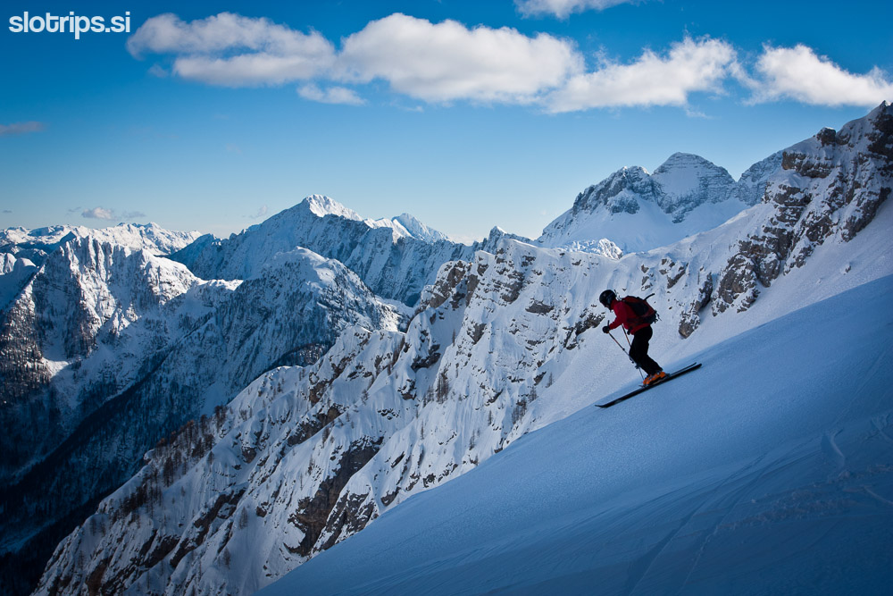 julian alps skiing slovenia