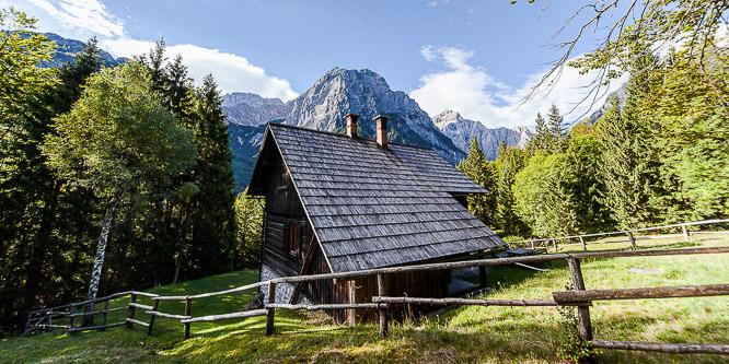 1 - Počitniška hiša v dolini Vrata