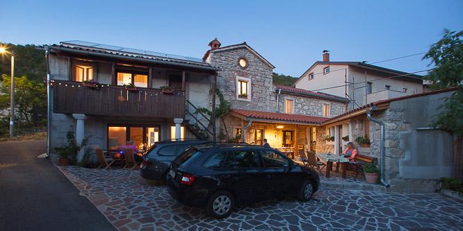 5 - Hostel Xaxid