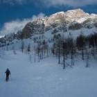 1-Cesta na Vršič je bila zaradi snega zaprta
