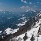 11-Porezen (levo) in griči nad Soriško planino (desno)