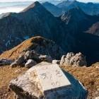 25-Avstrijsko-slovenska meja poteka po grebenu Košute