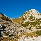 10-Na severni strani Viševnika uzremo Mali Draški vrh in Srenjski preval