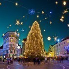 22-Christmas decoration