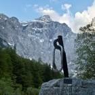 3-Spomenik žrtvam gora v Vratih