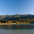 11-Jezero in Spodnje bohinjske gore v ozadju