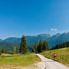20-Zopet v dolini - pogled proti verigi Spodnjih bohinjskih gora