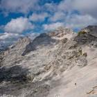33-Hiker below Stenarska Vratca saddle
