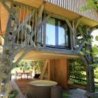 4-House Raduha, sleeping in the luxurious hayrack