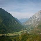 5-Vzpon s kolesom proti vasi Na skali, pogled proti Soči