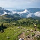 4-Po travnatem pobočju nad planino Kuhinja
