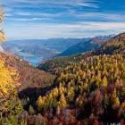 31-Jesenski pogled na Bohinjsko jezero s Komne