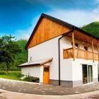 1-Hiša Julian, Bovec (do 12 oseb)