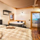 32-Glamping Garden Village Bled, apartment with jacuzzi, photo: Jošt Gantar