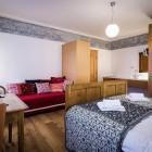 11-Sobe z zgodbo, Pr Gavedarjo, Kranjska Gora