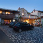 1-Hostel Xaxid